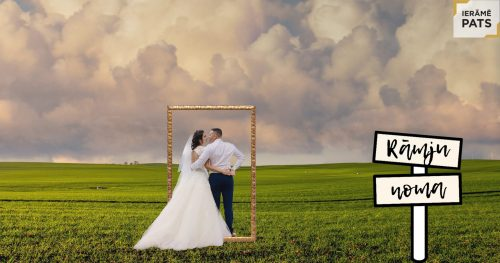 kāzu foto ar greznu gleznas rāmi